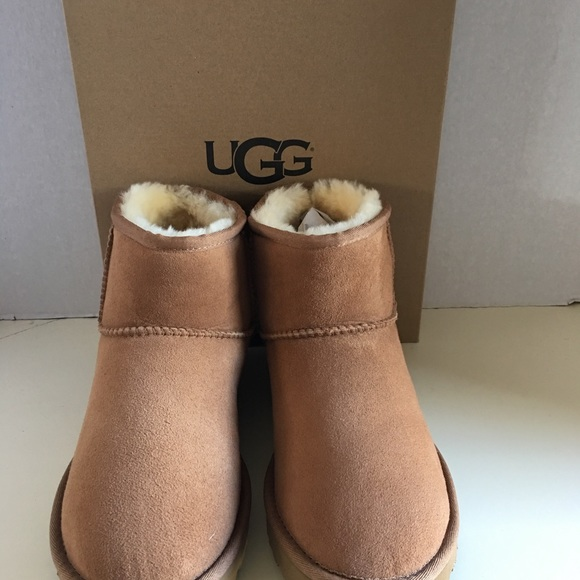 4b5fbcc7a24 New UGG Classic Women Kristin Ankle Boots. NWT
